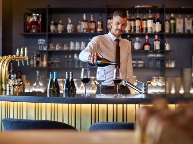 MAISON GRIZLAW Le service au bar