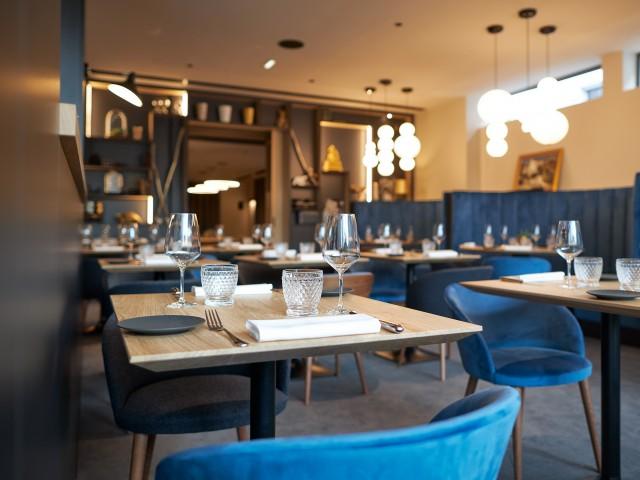 MAISON GRIZLAW MAISON GRIZLAW 116 avenue Victor Hugo à Valence // Dressage de table et décoration lumineuse
