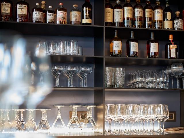 MAISON GRIZLAW MAISON GRIZLAW 116 avenue Victor Hugo à Valence // Bar et alcools différents
