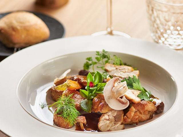 MAISON GRIZLAW Ris de veau rôti à l'ancienne, champignons du moment, sauce au pain brûlé